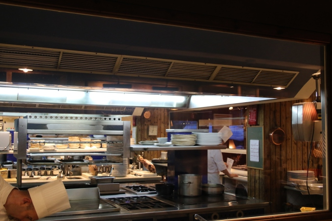 Barceloneta  Kitchen.JPG