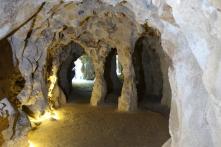Quinta Caverns